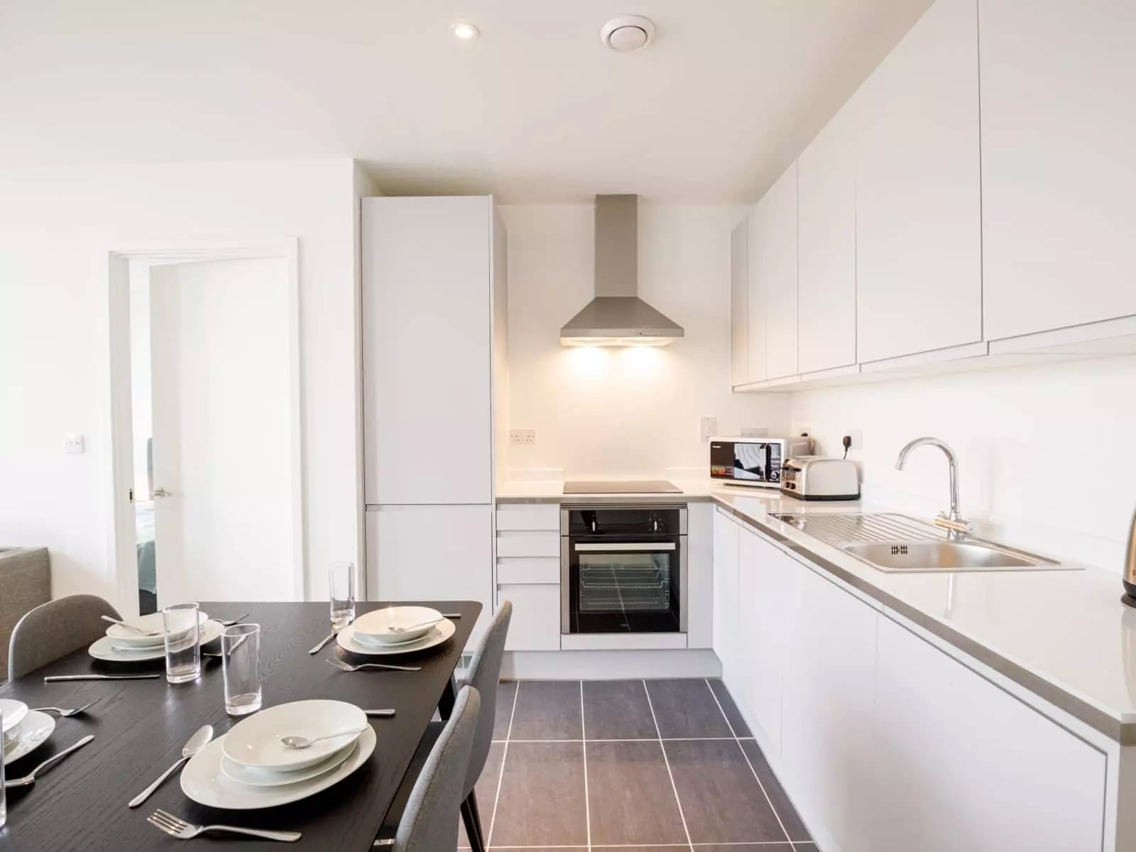 burlington-square-apartment-kitchen
