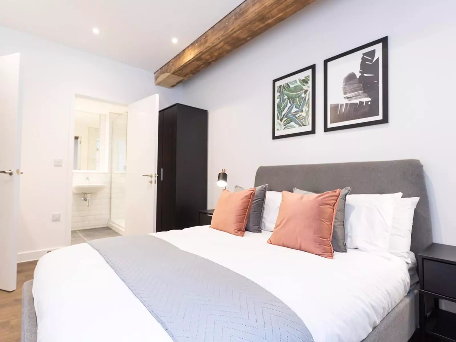 the-press-manchester-apartment-bedroom